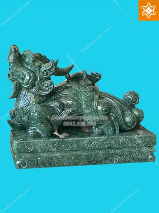 tượng tỳ hưu bằng đá cẩm thạch xanh